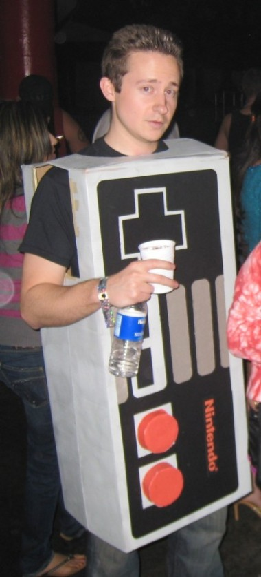 NES-Controller-Halloween-Costume1-408x900