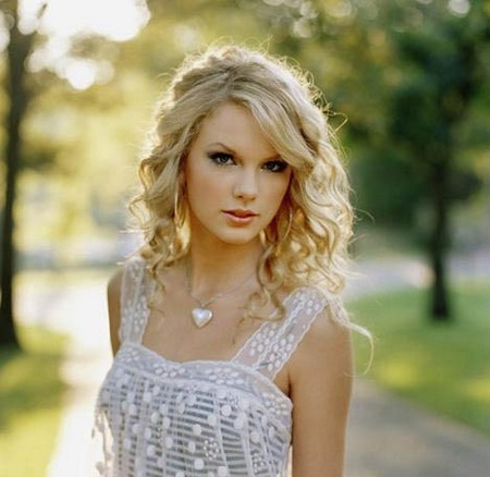 Tags: Beauty, hair, rachel bilson, rachel bilson hair, taylor, taylor swift,